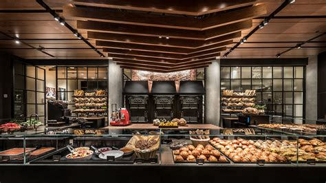 Starbucks First Reserve Opens with Italian Princi Bakery