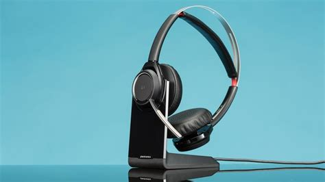Plantronics Voyager Focus UC Review & Rating   PCMag