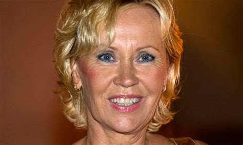 Abba's Agnetha made her first stage performance for 25