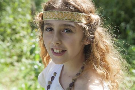 Girls in the Middle Ages de Hubert Viel (2015) - UniFrance