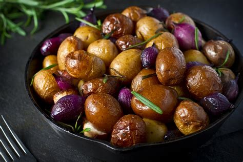 Roasted Baby Potatoes with Thyme and Rosemary