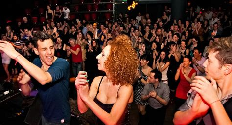Signature Travel Holds First-ever Greek Salsa Dance Cruise