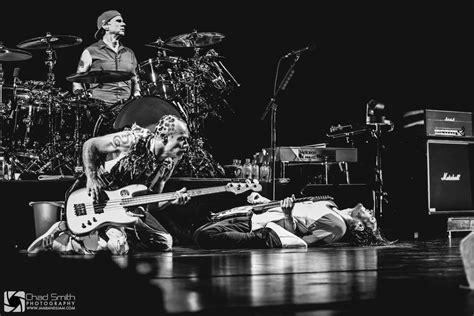 Red Hot Chili Peppers Perform Chicago's United Center [Photos]