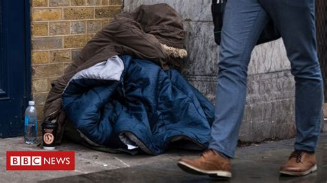 Homelessness applications on the rise in Scotland - BBC News