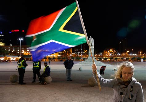 The world mourns Mandela - Photos - The Big Picture