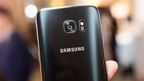 Up close with the Samsung Galaxy S7 Edge's camera