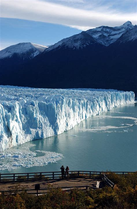 Space in Images - 2004 - 03 - Los Glaciares National Park