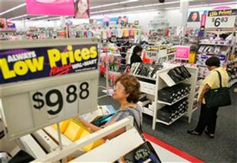 Wal-Mart struggles with deeper problems - Business - US