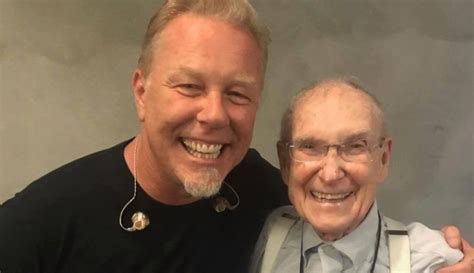 Cliff Burton's 92-year-old father attends Metallica