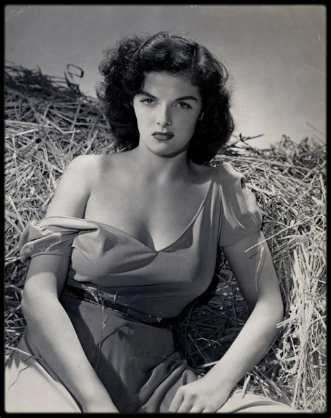 """PHOTOSHOOT / Jane RUSSELL pour """"Le banni"""" (The outlaw"""